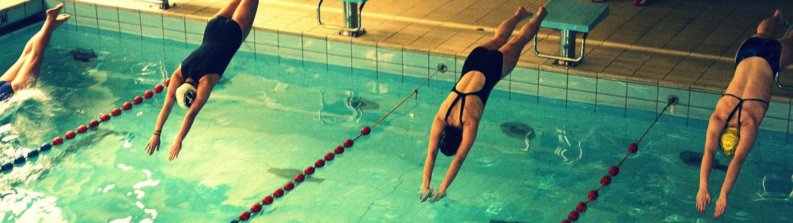 Zawody pływackie w Konopie